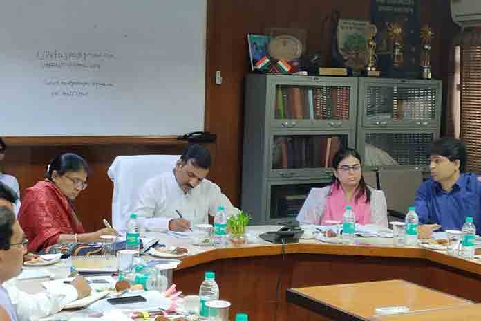 up basic education minister satish dwivedi