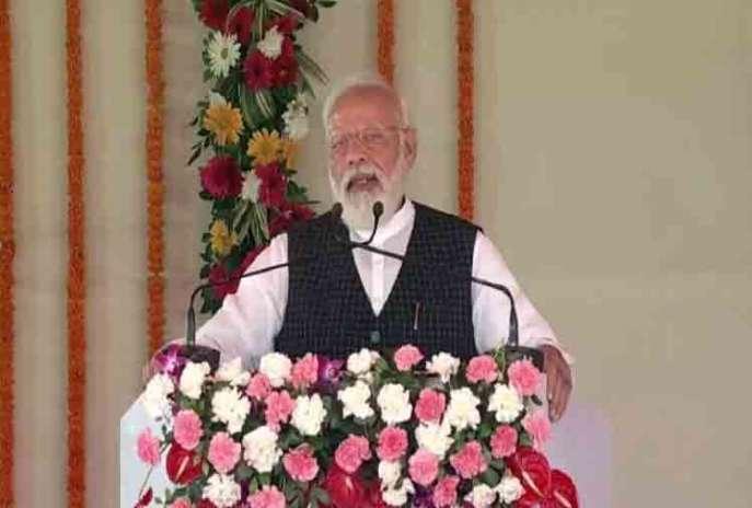 pm narendra modi and cm yogi